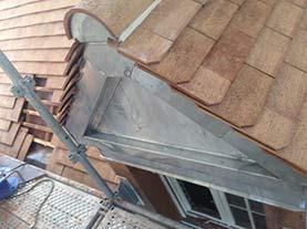 Fronton de toiture